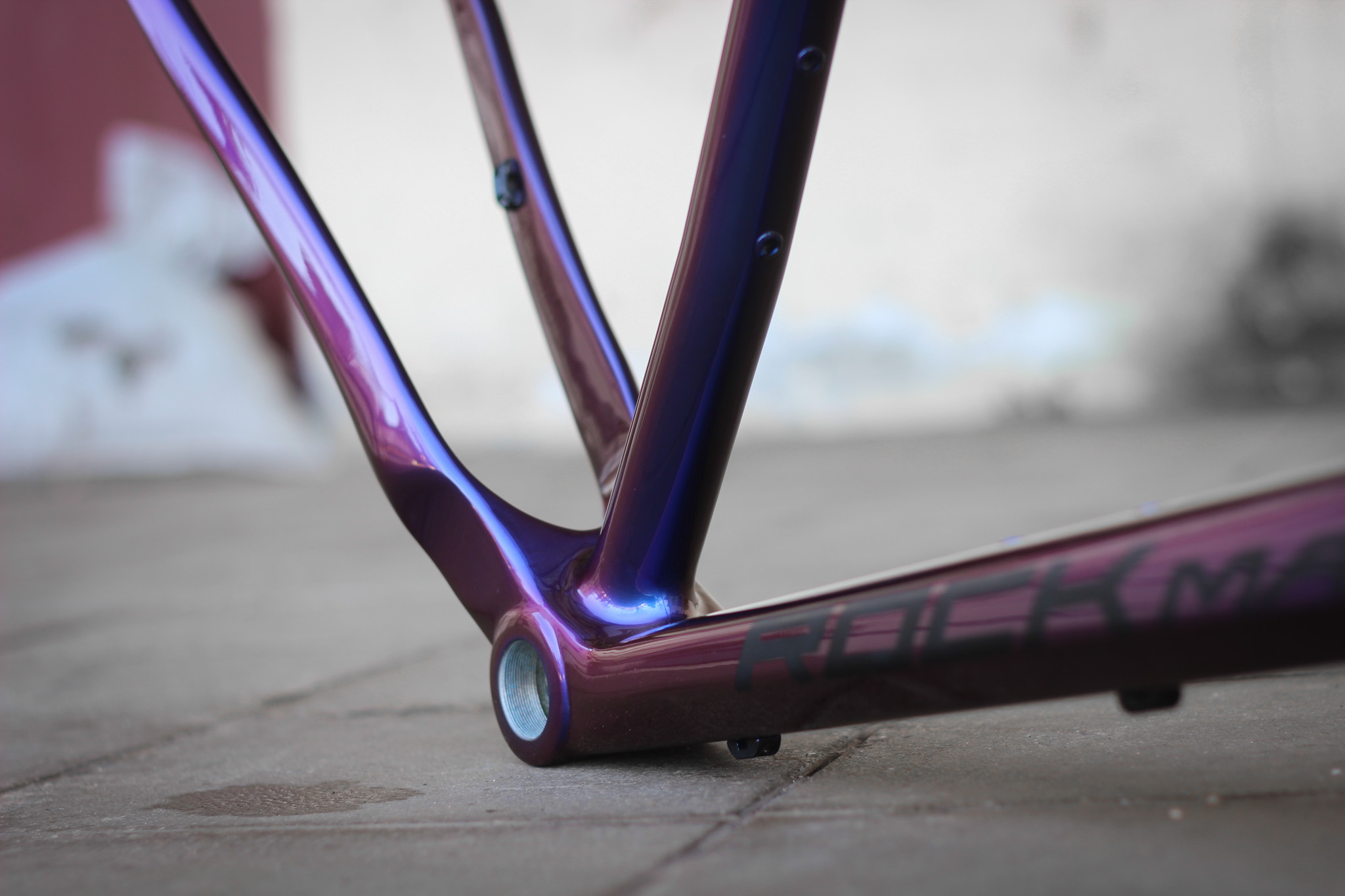 Carbon Bike Frame >> How To Repaint Carbon Frame To A New Chameleon Color